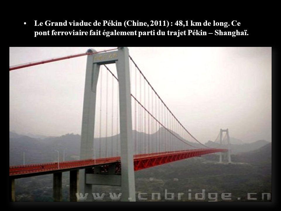 86,5% du réseau, soit 1 140 km est situé sur un niveau sur élevé. 244 ponts sont traversés dont le plus long pont du monde de 164 km, le Danyang-Kunsh