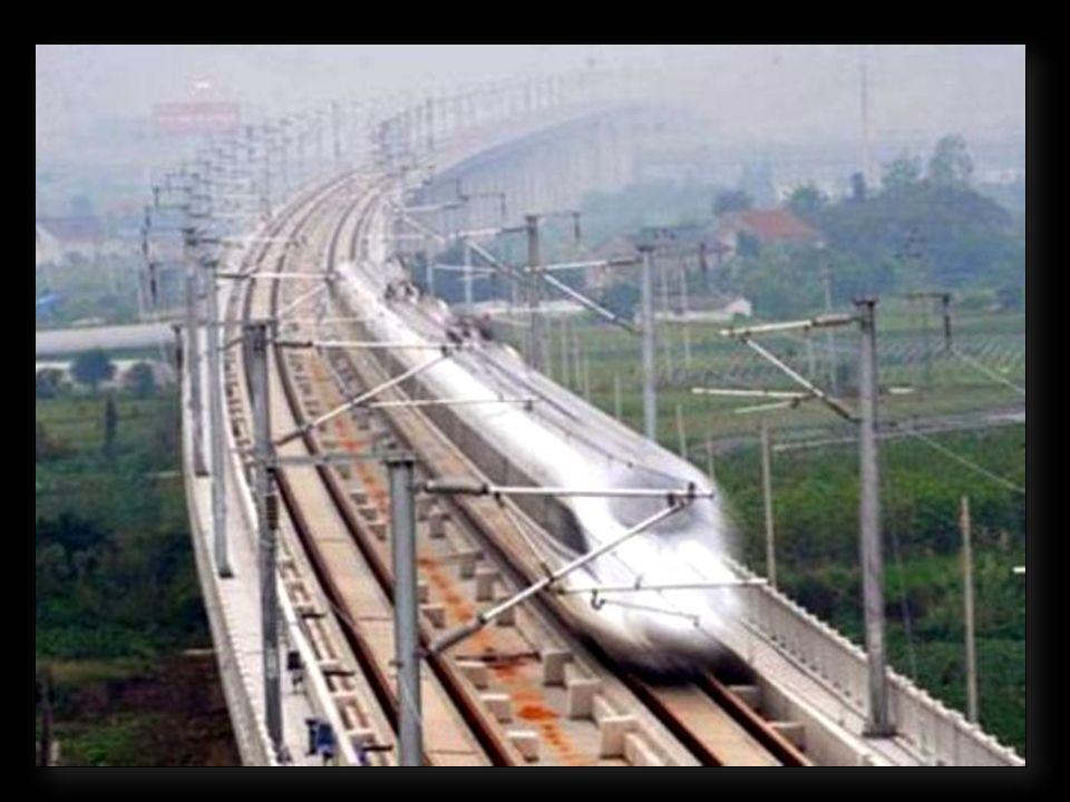 Le Grand viaduc Tianjin (Chine, 2011) : 113,7 km de long. Ce pont ferroviaire fait également partie du tracé de la nouvelle ligne Pékin – Shanghaï.