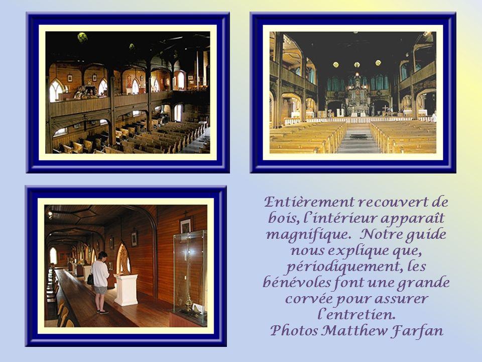 Construite en 1877, léglise Saint-Venant, du nom dun saint ermite ayant vécu au VIIIe siècle, a vu son aménagement intérieur se terminer en 1897. En 2