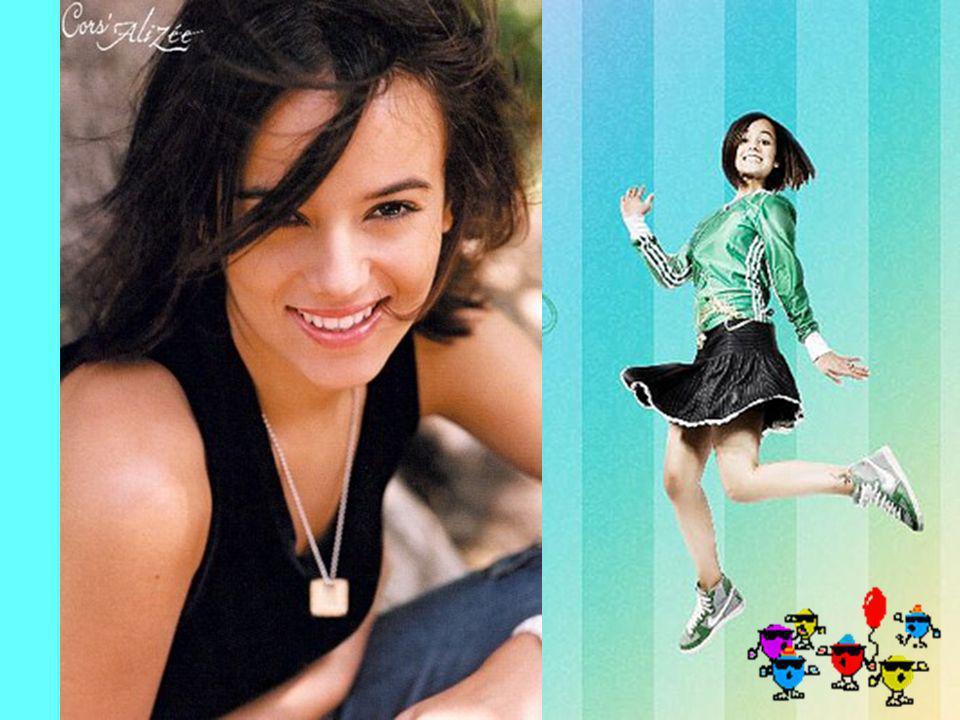 Alizée Jacotey (nacida el 21 de agosto de 1984 en Ajaccio, Córcega, Francia) es una cantante pop.