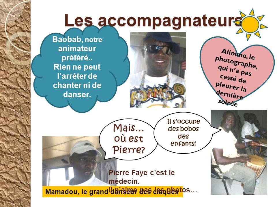 Le 2 ème jour, nous nous sommes réunis dans la classe de nos correspondants pour faire nos exposés sur les oiseaux de Dakar et de Ndiaffate.