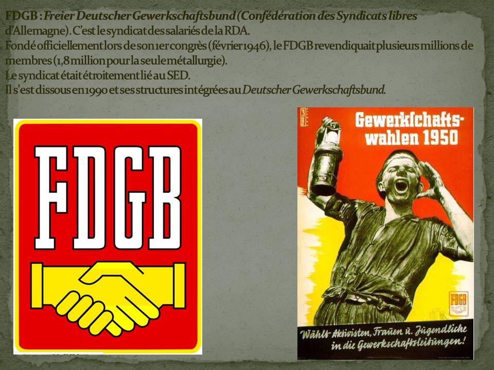 - effacement des communistes -SPD et syndicats doivent sadapter aux évolutions de la société.