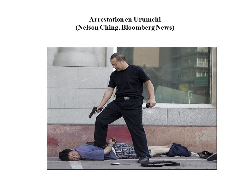 Arrestation en Urumchi (Nelson Ching, Bloomberg News)