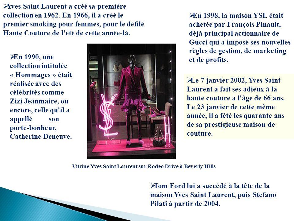 Yves Saint Laurent a créé sa première collection en 1962. En 1966, il a créé le premier smoking pour femmes, pour le défilé Haute Couture de l'été de