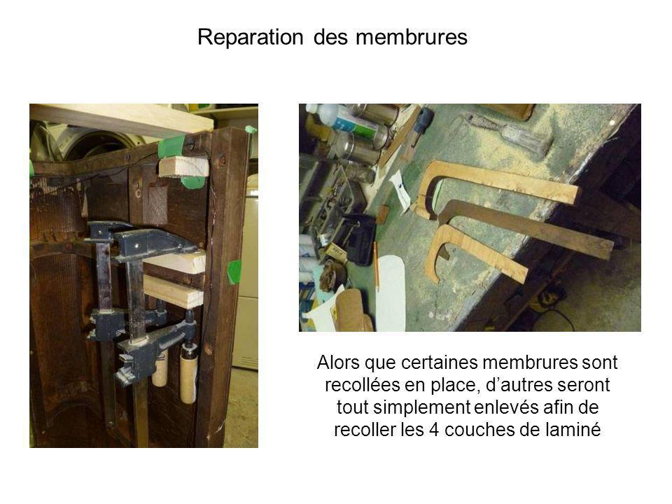 Alors que certaines membrures sont recollées en place, dautres seront tout simplement enlevés afin de recoller les 4 couches de laminé Reparation des