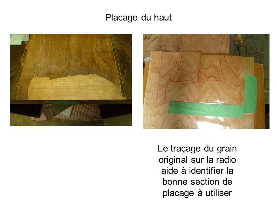 Le traçage du grain original sur la radio aide à identifier la bonne section de placage à utiliser