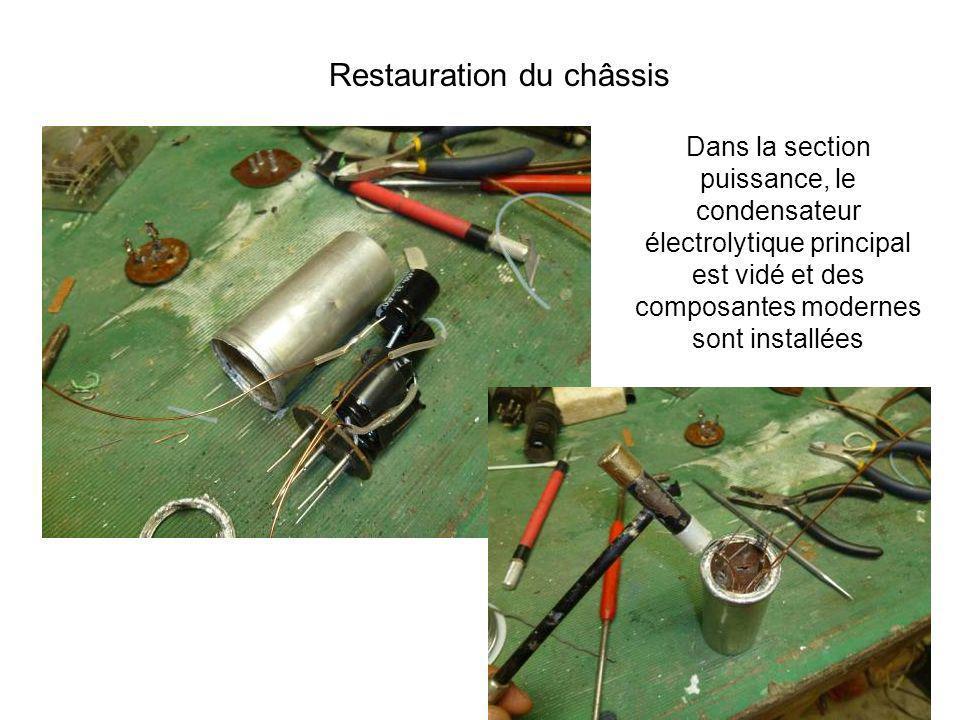 Dans la section puissance, le condensateur électrolytique principal est vidé et des composantes modernes sont installées Restauration du châssis