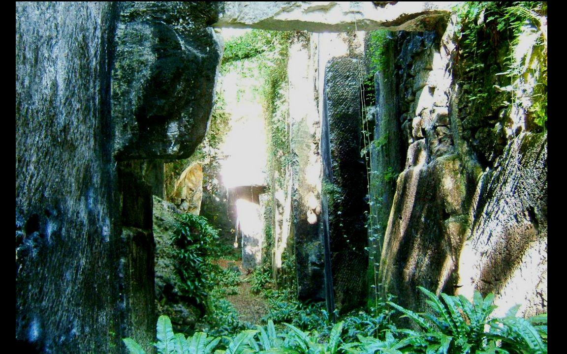 La pierre de taille Les carrières à ciel ouvert existaient à lépoque gallo- romaine aux endroits ou la couche superficielle est la moins épaisse.