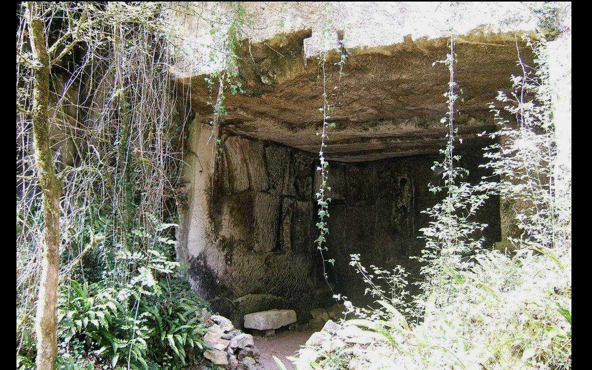 Le carrier utilisait des outils différents selon la dureté de la pierre.