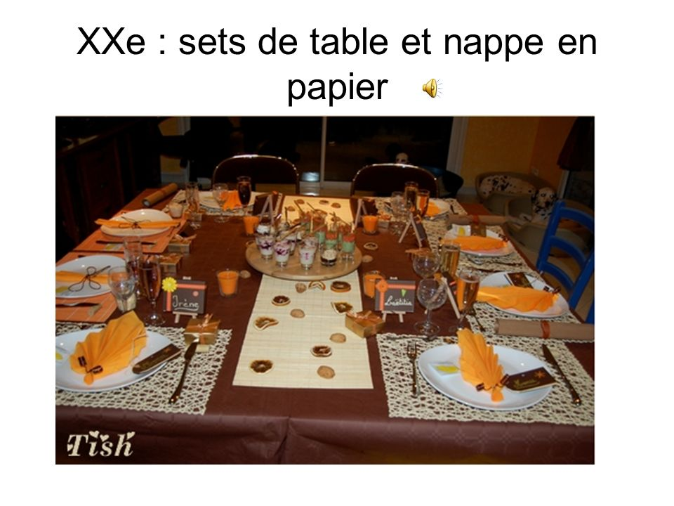 XXe : sets de table et nappe en papier