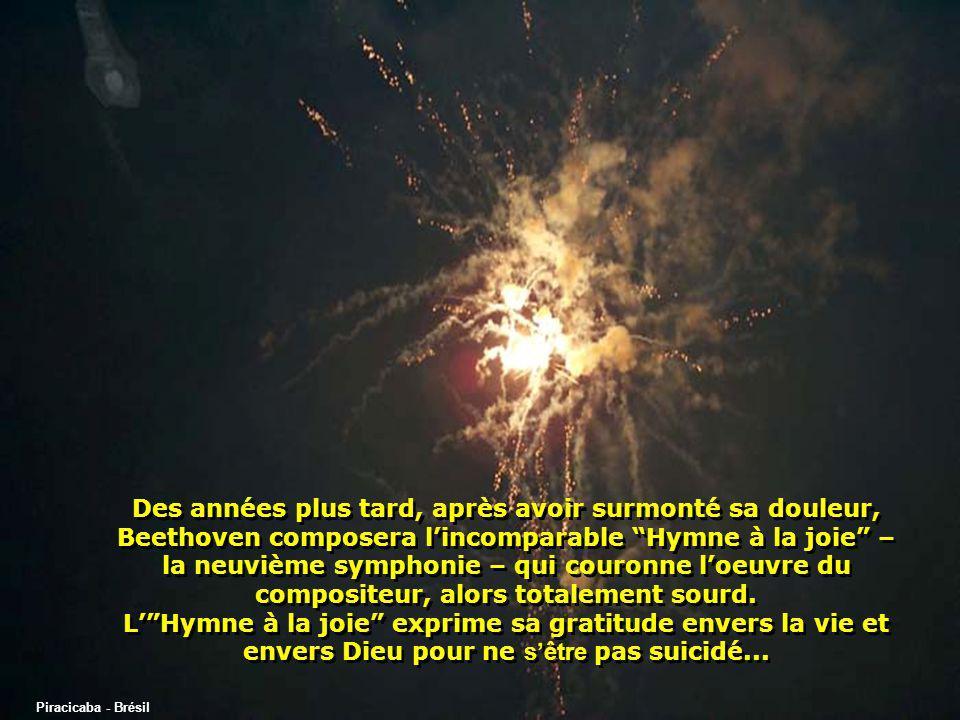 Piracicaba - Brésil Certains experts musicaux affirment que les 3 notes qui se répètent de manière insistante dans le thème principal du 1 er mouvement de la sonate représentent les 3 syllabes du mot pourquoi ou un mot synonyme, en allemand...