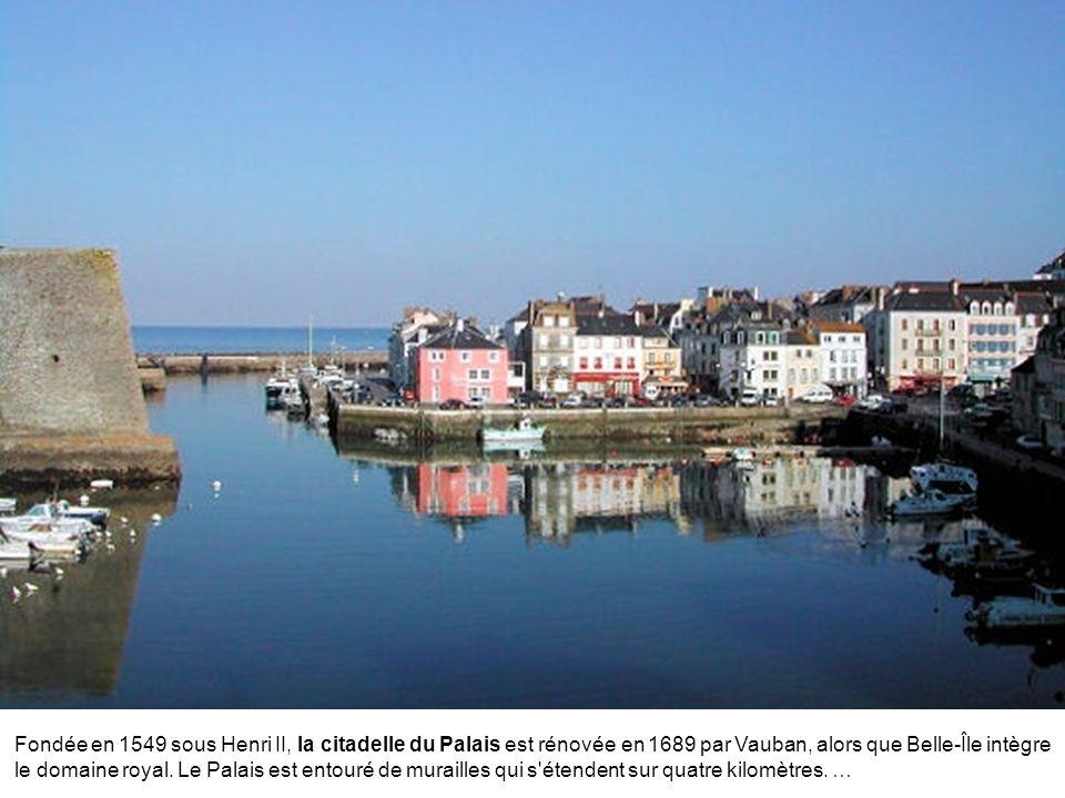 Située dans la baie de Morlaix, Roscoff n'est pas seulement l'une des plus belles petites villes de Bretagne avec ses maisons de maître âgées de plusi