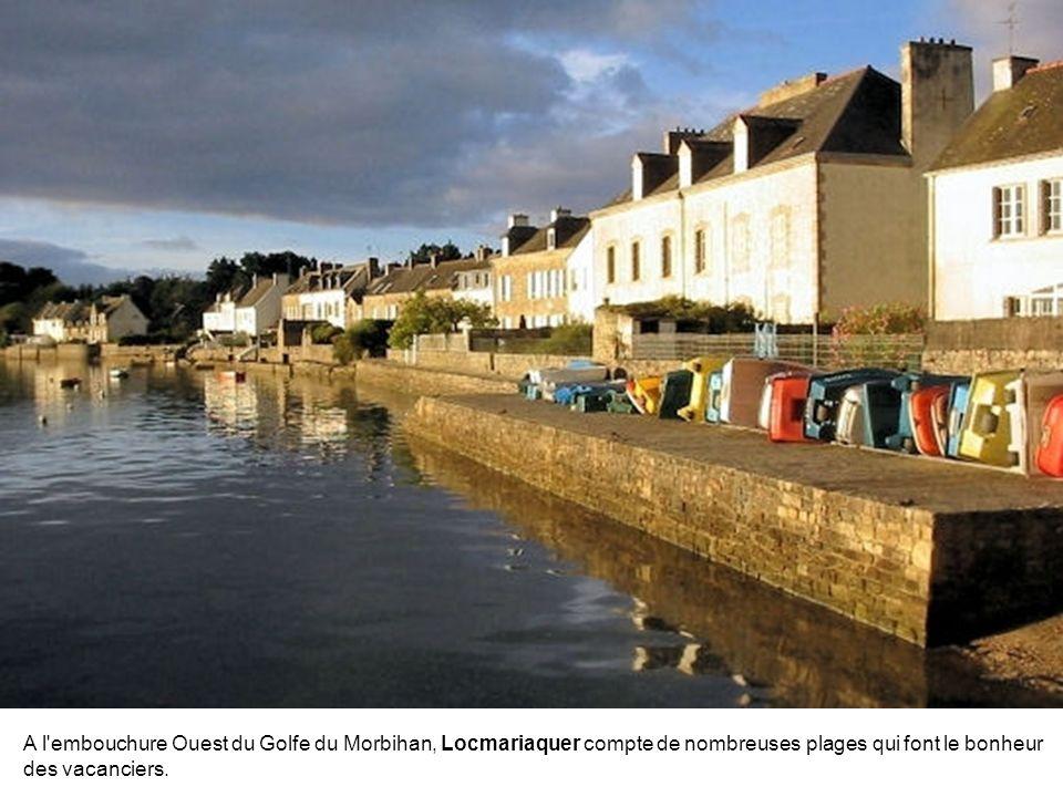 En Cornouaille, entre Concarneau et Lorient, Pont-Aven se love au creux d'une vallée verdoyante. Au XIXe siècle, ce bourg traversé par les eaux tumult