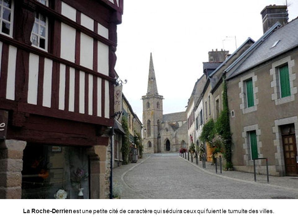 La citadelle de Port-Louis fut l'élément principal de la défense de la rade de Lorient au XVIIIe siècle. C'est dans ce site, admirablement préservé, q