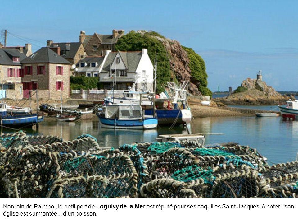 Malestroit est traversée par le canal de Nantes et par la rivière Oust en un seul lieu. Ce petit village vaut le détour pour son église Saint-Gilles (