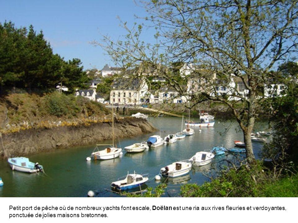 Le débarcadère de Port Tudy, où mouillent aujourd'hui les bateaux de plaisance, était l'un des plus importants ports thoniers de France jusqu'en 1940.