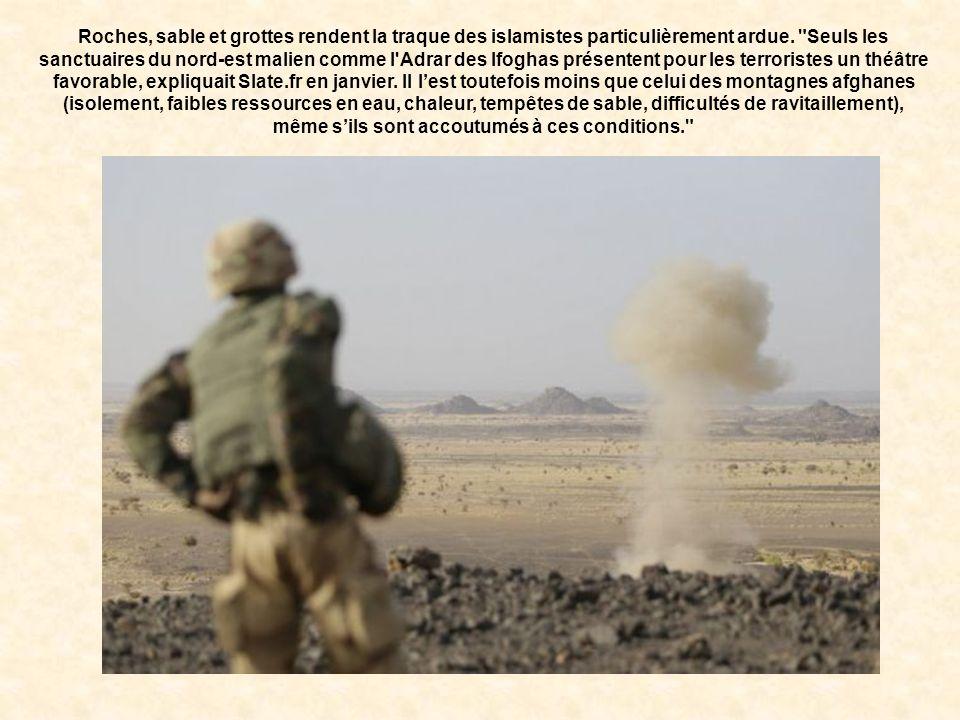 Le terrain : l'Adrar des Ifoghas L'épicentre des combats se situe dans la vallée d'Ametettai, zone du massif des Ifoghas, à la frontière avec l'Algéri