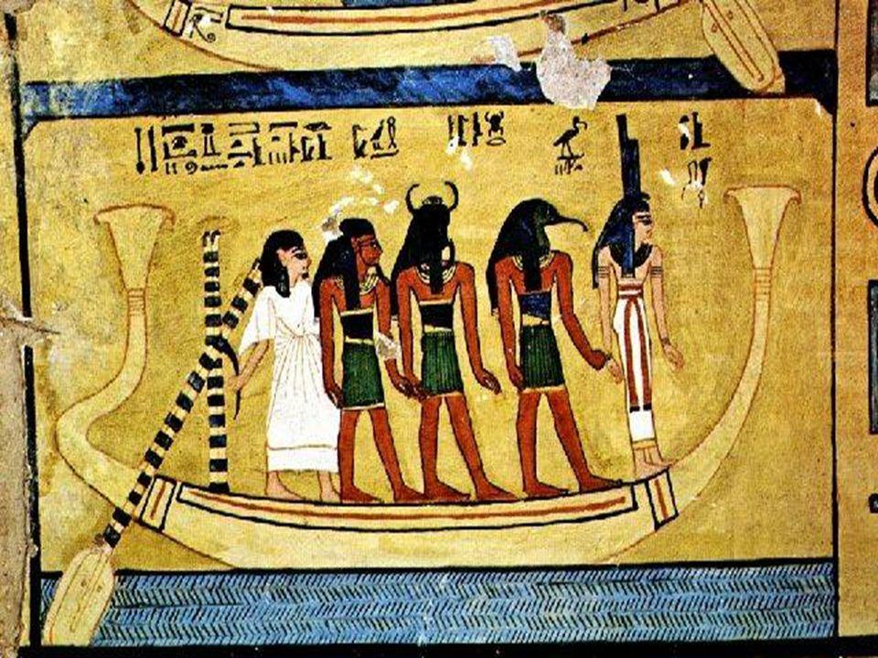12 Barque solaire Là aussi le symbole est usuel de l'Europe du nord sur des gravures rupestres jusqu'en Egypte, quant à sa signification un passage: l