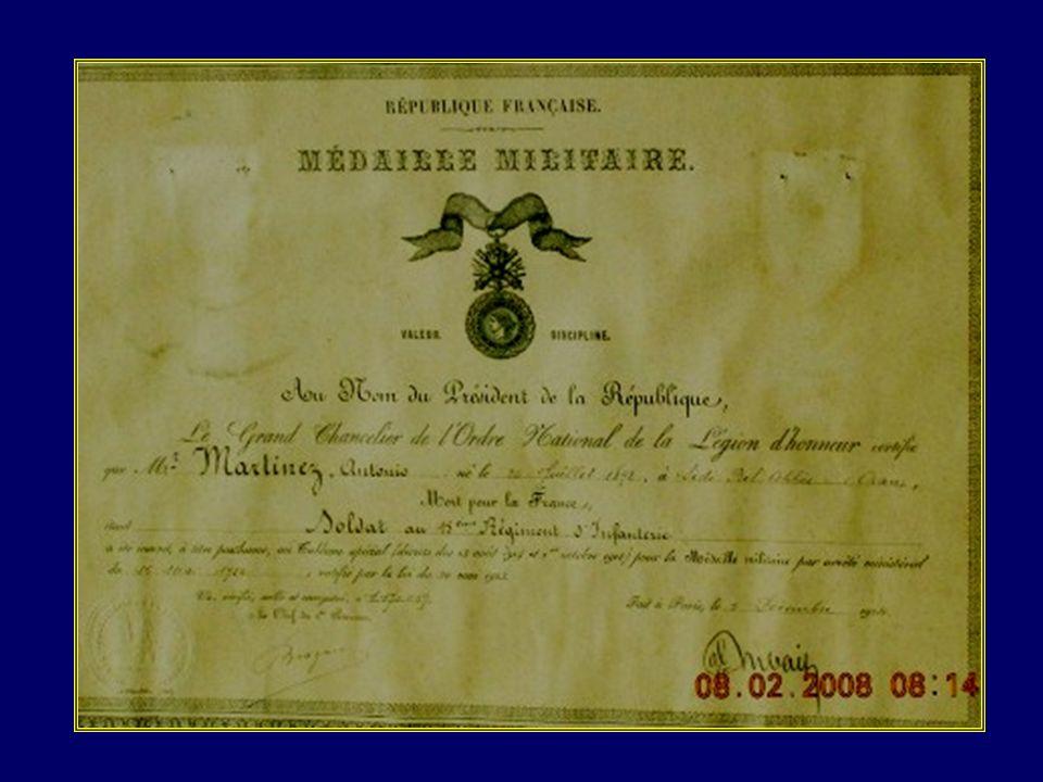 Tous ceux de 1914-18 qui reposent dans des tombes anonymes, ceux dont les noms ont été effacés de leurs monuments, ajoutés aux 20 000 Français dAlgéri