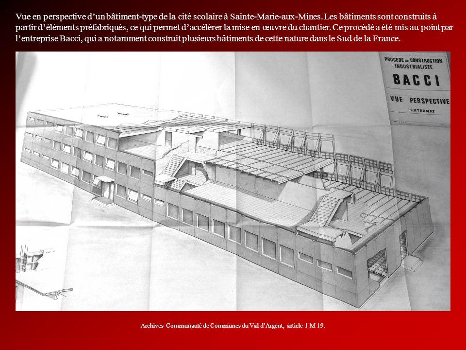 Vue en perspective dun bâtiment-type de la cité scolaire à Sainte-Marie-aux-Mines. Les bâtiments sont construits à partir déléments préfabriqués, ce q