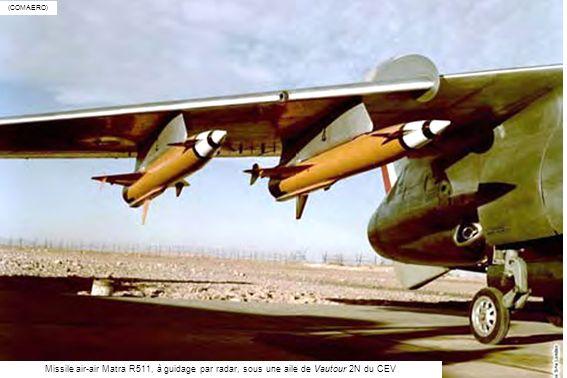 (COMAERO) Missile air-air Matra R511, à guidage par radar, sous une aile de Vautour 2N du CEV