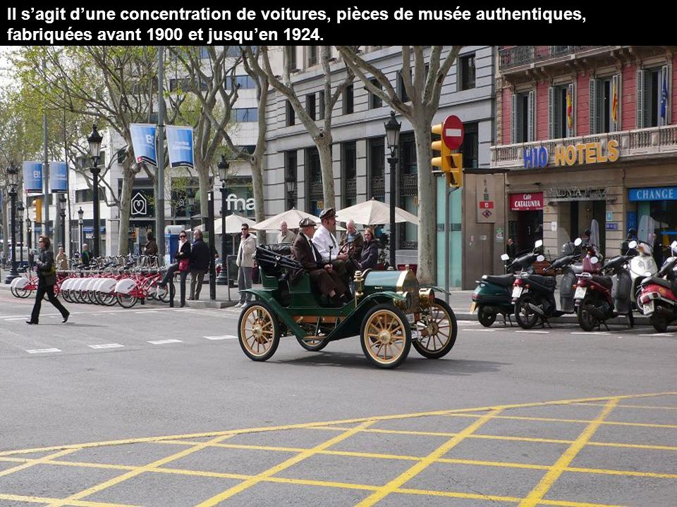 Depuis 1959 se déroule un rallye de voitures anciennes qui a lieu entre Barcelone et Sitges.