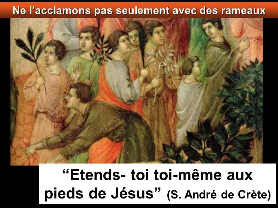 Ils amenèrent alors la bête à Jésus, puis jetant sur elle leurs vêtements, ils firent monter Jésus; et à mesure qu il avançait, ils étendaient leurs vêtements sur la route.