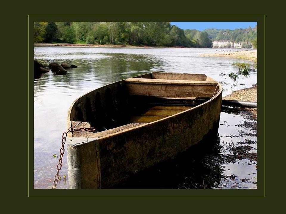 Alors, un petit voyage en Dordogne, ça vous tente? Jai déjà réservé une gabarre pour vous. Elle vous attend à Beynac. Bon voyage !
