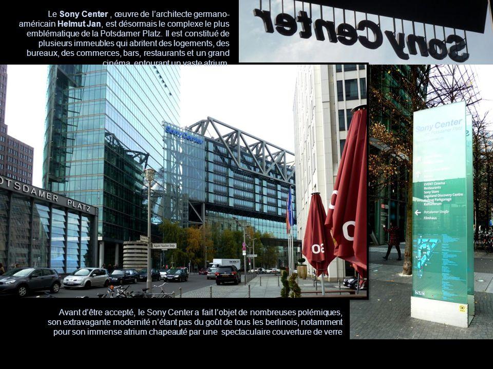 Avant dêtre accepté, le Sony Center a fait lobjet de nombreuses polémiques, son extravagante modernité nétant pas du goût de tous les berlinois, notam