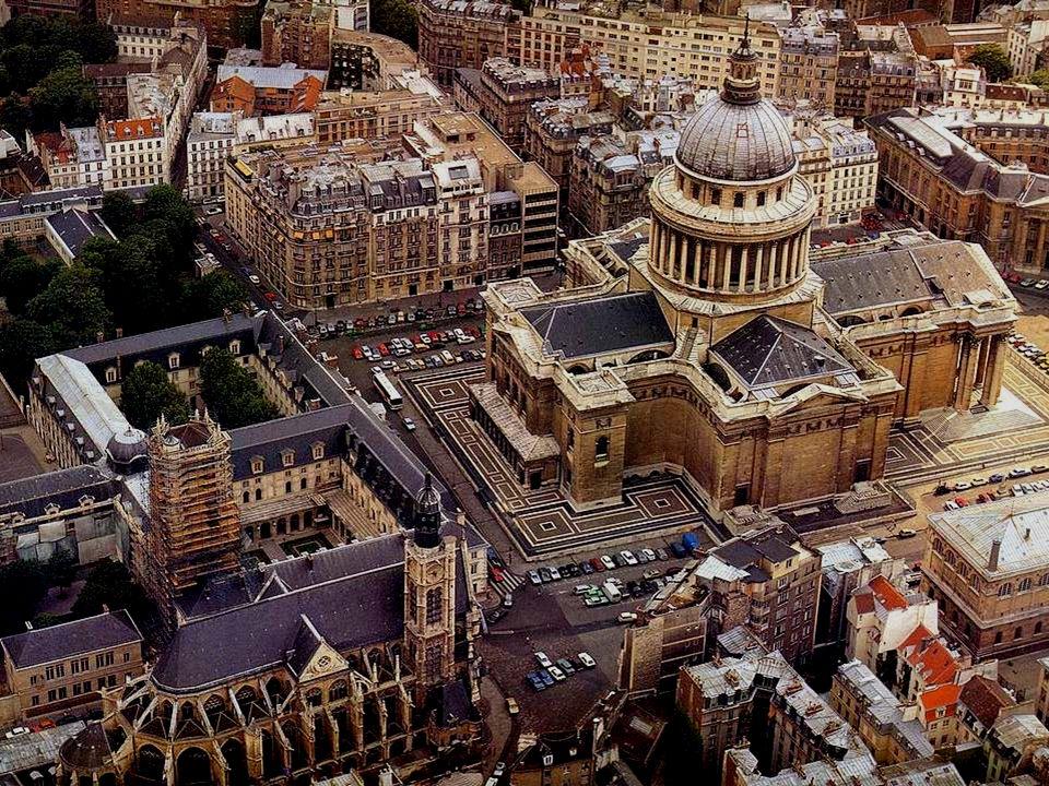 A la suite dun vœu, Louis XIV décide de bâtir une nouvelle et somptueuse église pour labbaye de Ste Geneviève, patronne de Paris.