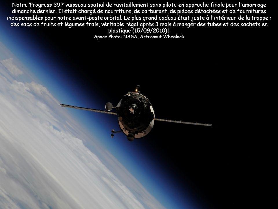 Notre Progress 39P vaisseau spatial de ravitaillement sans pilote en approche finale pour l'amarrage dimanche dernier. Il était chargé de nourriture,