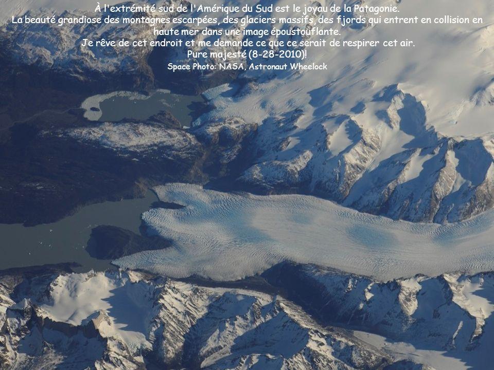 À l'extrémité sud de l'Amérique du Sud est le joyau de la Patagonie. La beauté grandiose des montagnes escarpées, des glaciers massifs, des fjords qui