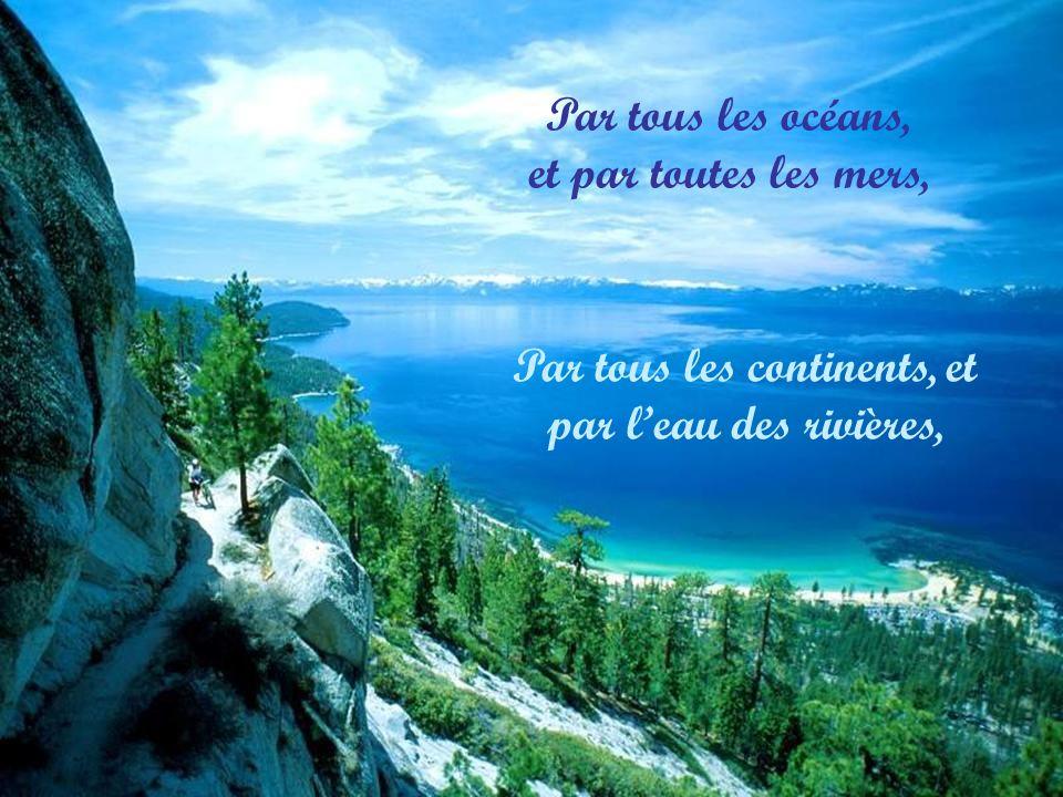 Mon Dieu, tu es grand, tu es beau Dieu vivant, Dieu très haut Tu es le Dieu d amour.