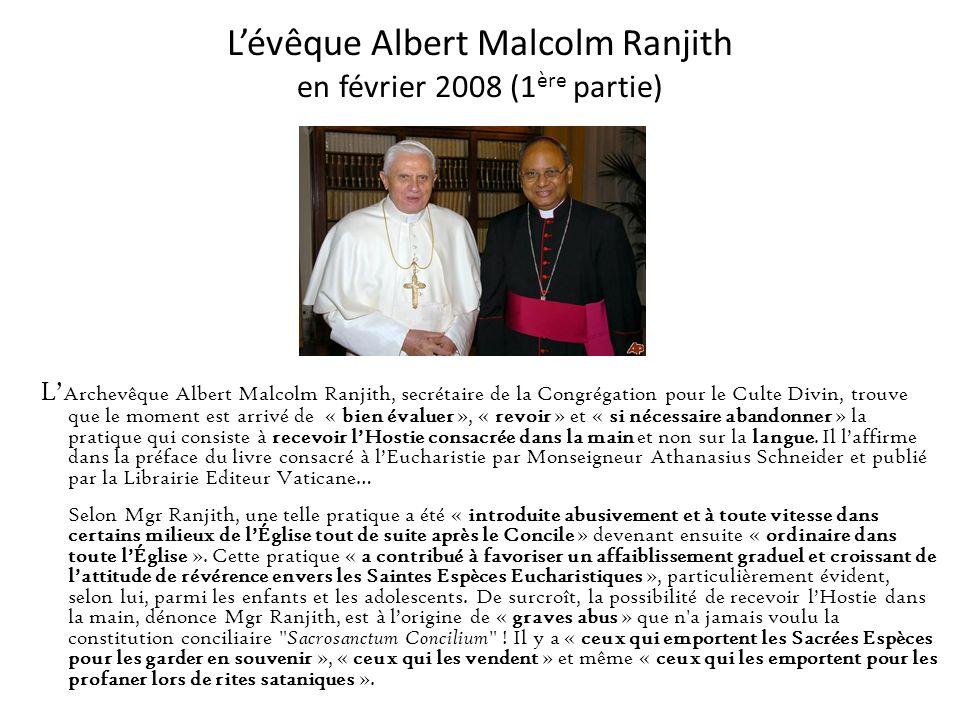 Notre Pape Benoit XVI en mai 2007 « N ous, chrétiens, nous nous agenouillons seulement devant le Saint-Sacrement parce que, en Lui, nous savons et cro