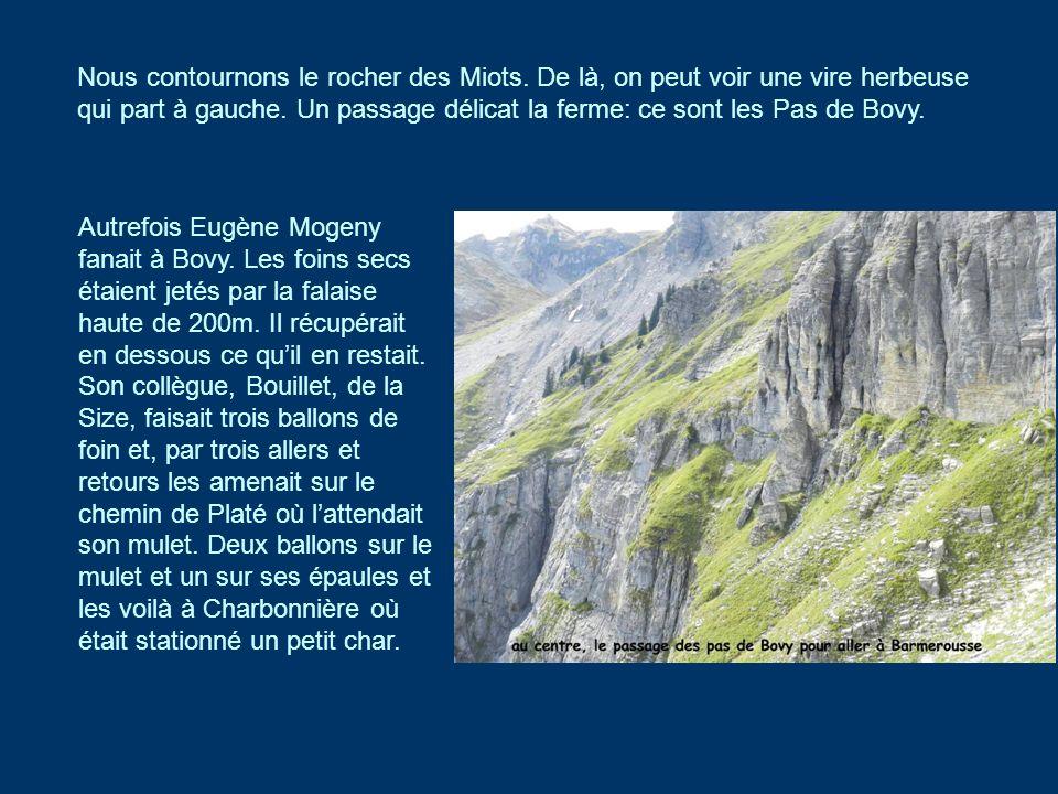 En cinq minutes, nous voici au refuge du Club Alpin, à 2030 m, où nous attend Dany, la gardienne.