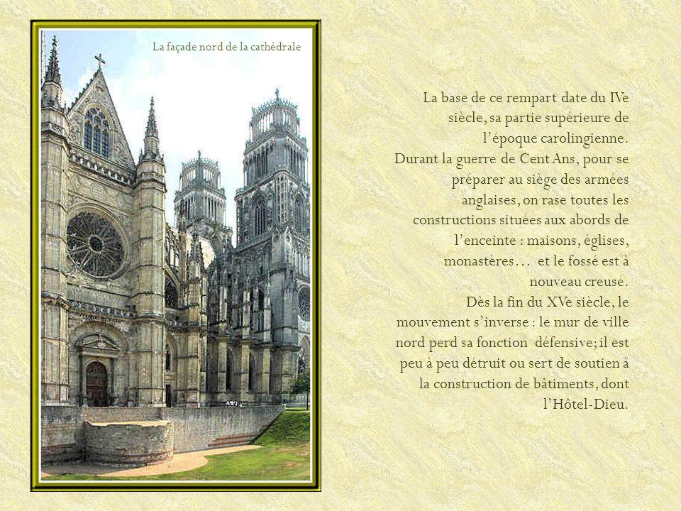Lencadrement du portail de la cathédrale