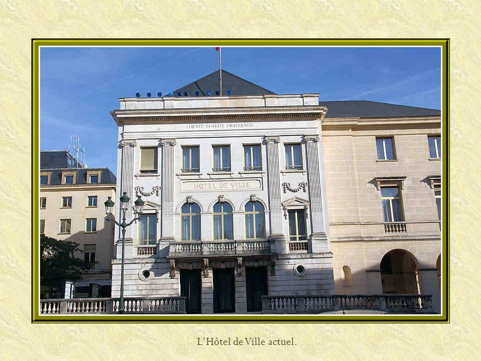 Place Sainte-Croix et rue Jeanne dArc