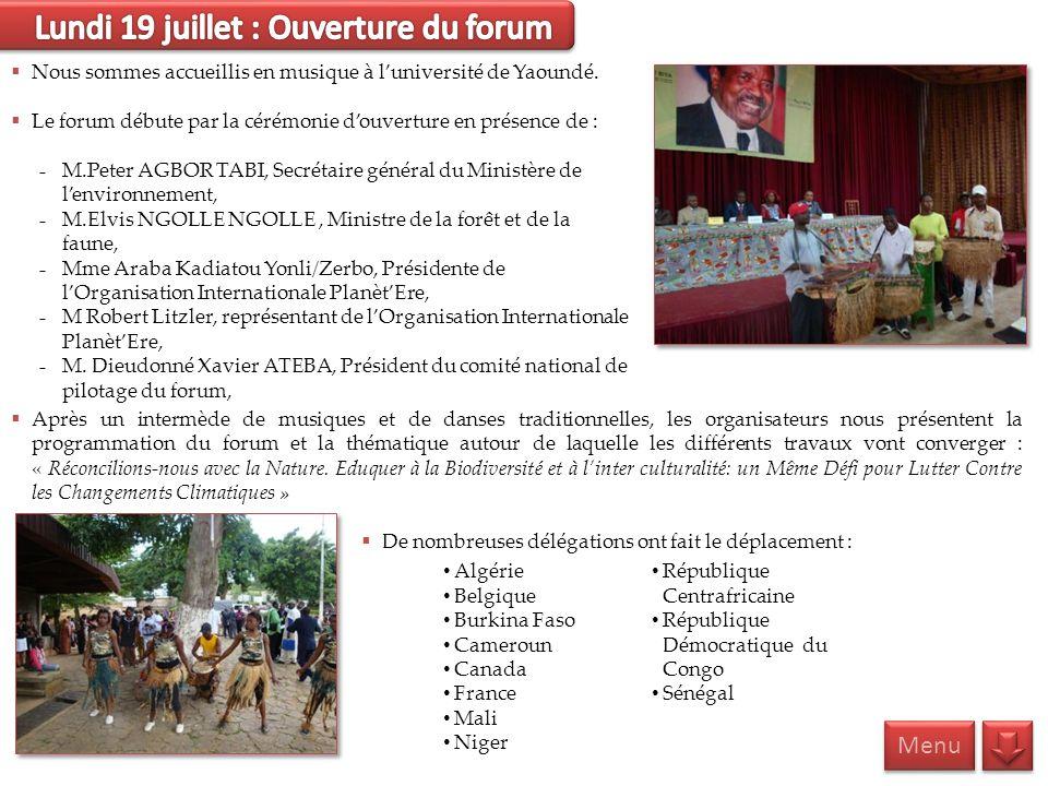 Nous sommes accueillis en musique à luniversité de Yaoundé. Le forum débute par la cérémonie douverture en présence de : M.Peter AGBOR TABI, Secrétair