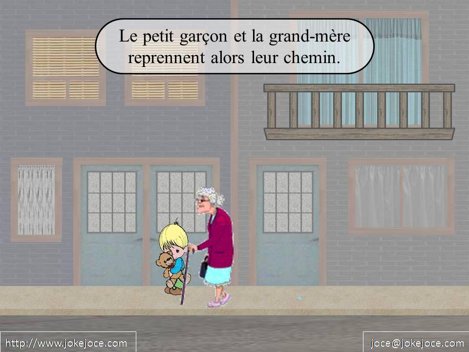 Le petit garçon et la grand-mère reprennent alors leur chemin.