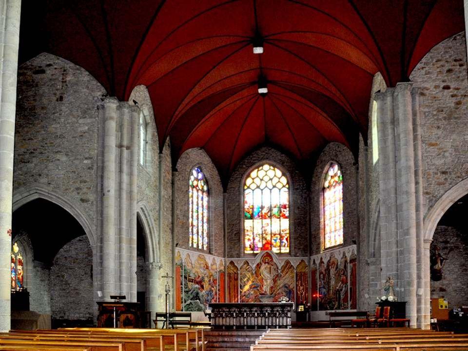 Le portail d'entrée dans l'église