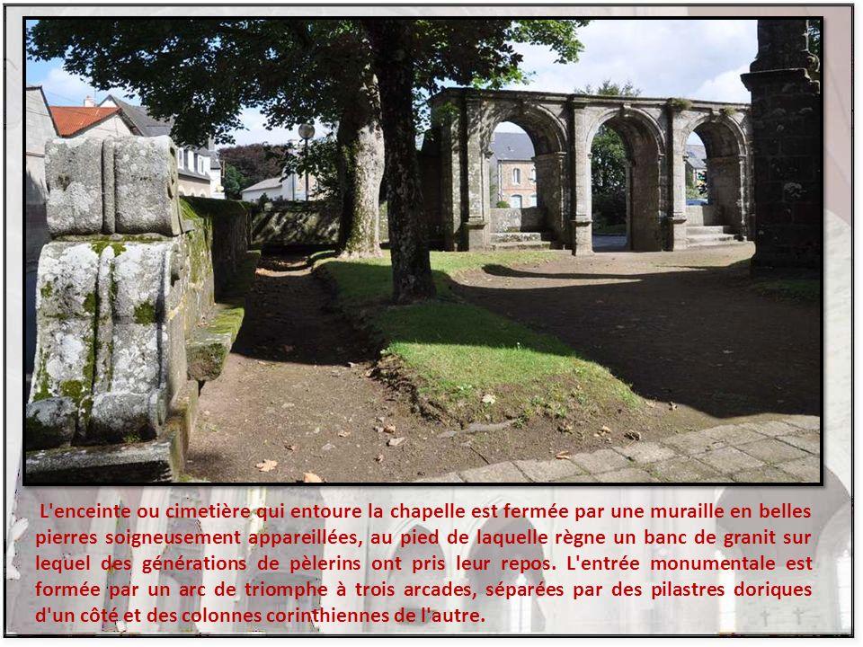 Nous arrivons maintenant à la chapelle Notre-Dame de Berven À la suite d'une délibération des paroissiens de Plouzévédé, le 21 juin 1573, la construct