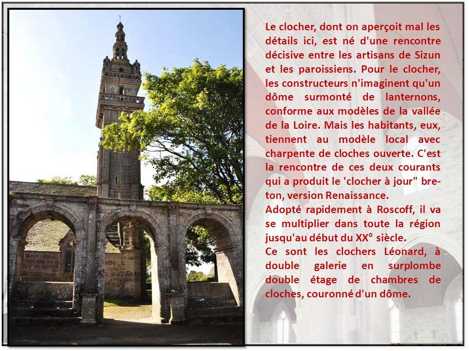 L'enceinte ou cimetière qui entoure la chapelle est fermée par une muraille en belles pierres soigneusement appareillées, au pied de laquelle règne un