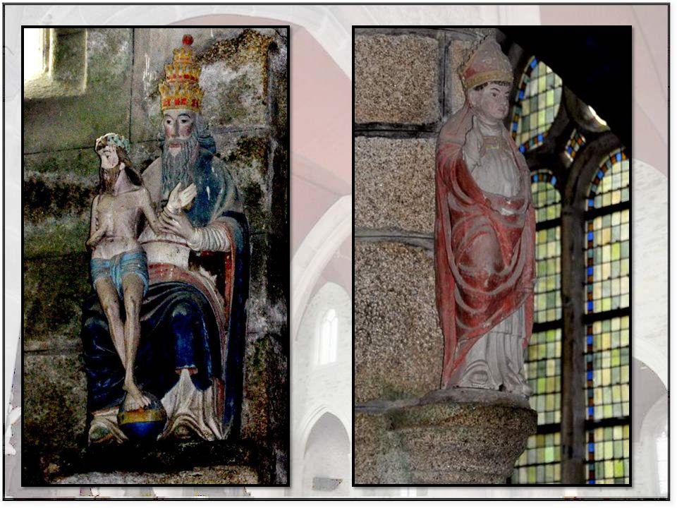 Le nombre de Pieta que l'on trouve en Bretagne est impres- sionant ; chaque église en a au moins deux !