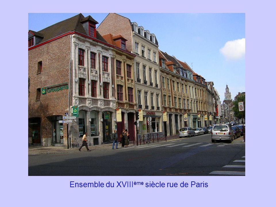 Ensemble du XVIII ème siècle rue de Paris