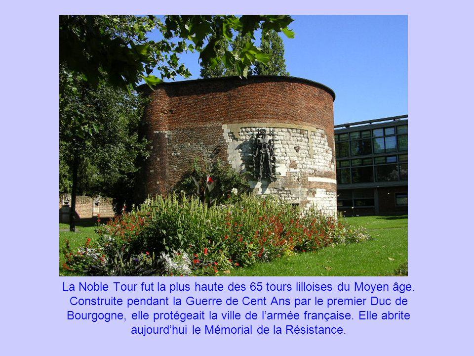La Noble Tour fut la plus haute des 65 tours lilloises du Moyen âge. Construite pendant la Guerre de Cent Ans par le premier Duc de Bourgogne, elle pr