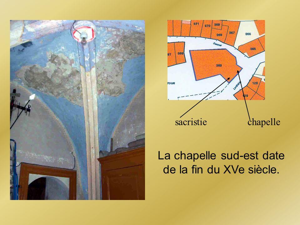 La chapelle sud-est date de la fin du XVe siècle. chapellesacristie