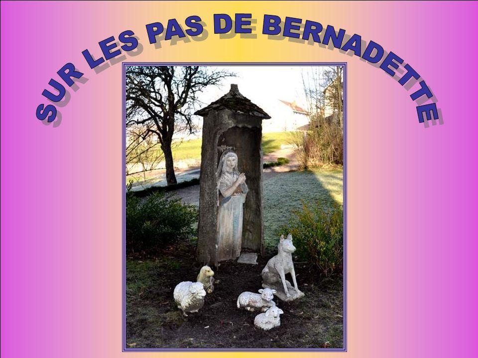 Puis nous sommes sortis dans le parc « sur les pas de Bernadette ».