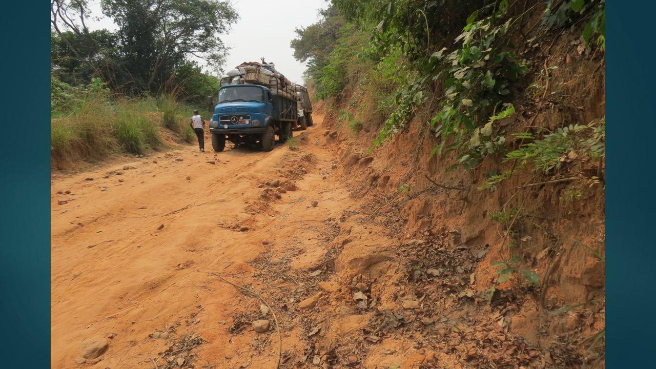 MISSIONS Répondre aux besoins fondamentaux des plus pauvres de Kalo et les aider à acquérir lautonomie.