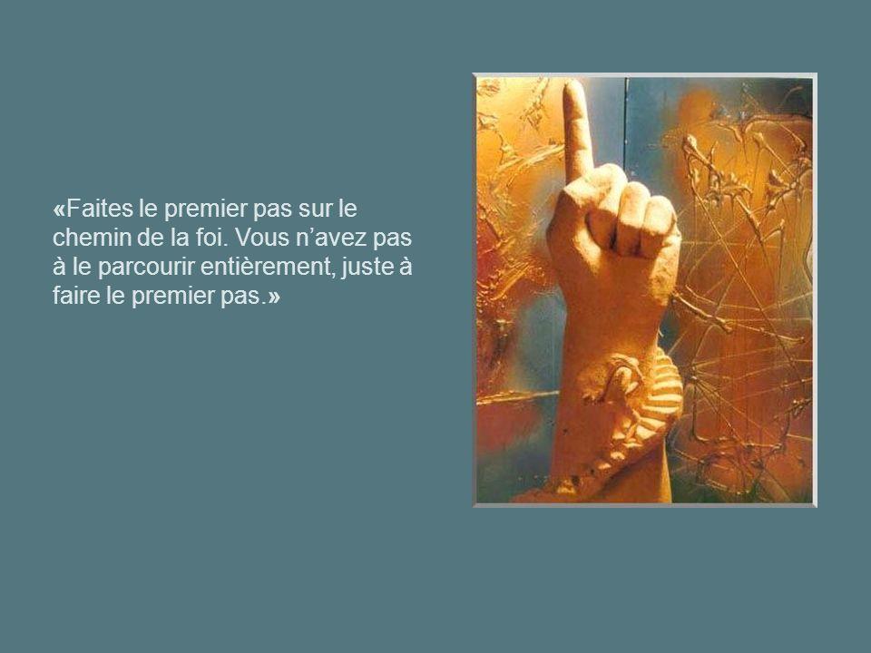 «A la fin, nous nous souviendrons non pas des mots de nos ennemis, mais des silences de nos amis.»