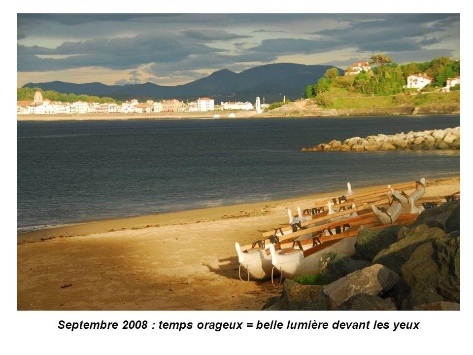 Septembre 2008 : le soleil sort en face de Socoa